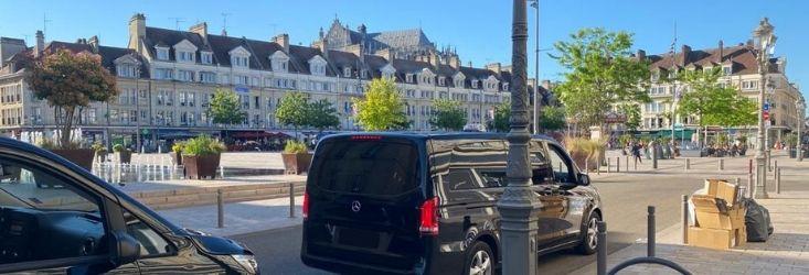 Decouvrir Beauvais avec guide touristique taxi